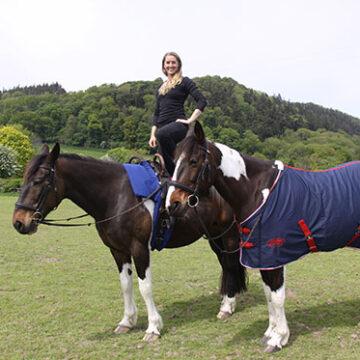 Rosie Howard and Galloping Acrobatics Join Team HorseHage & Mollichaff.